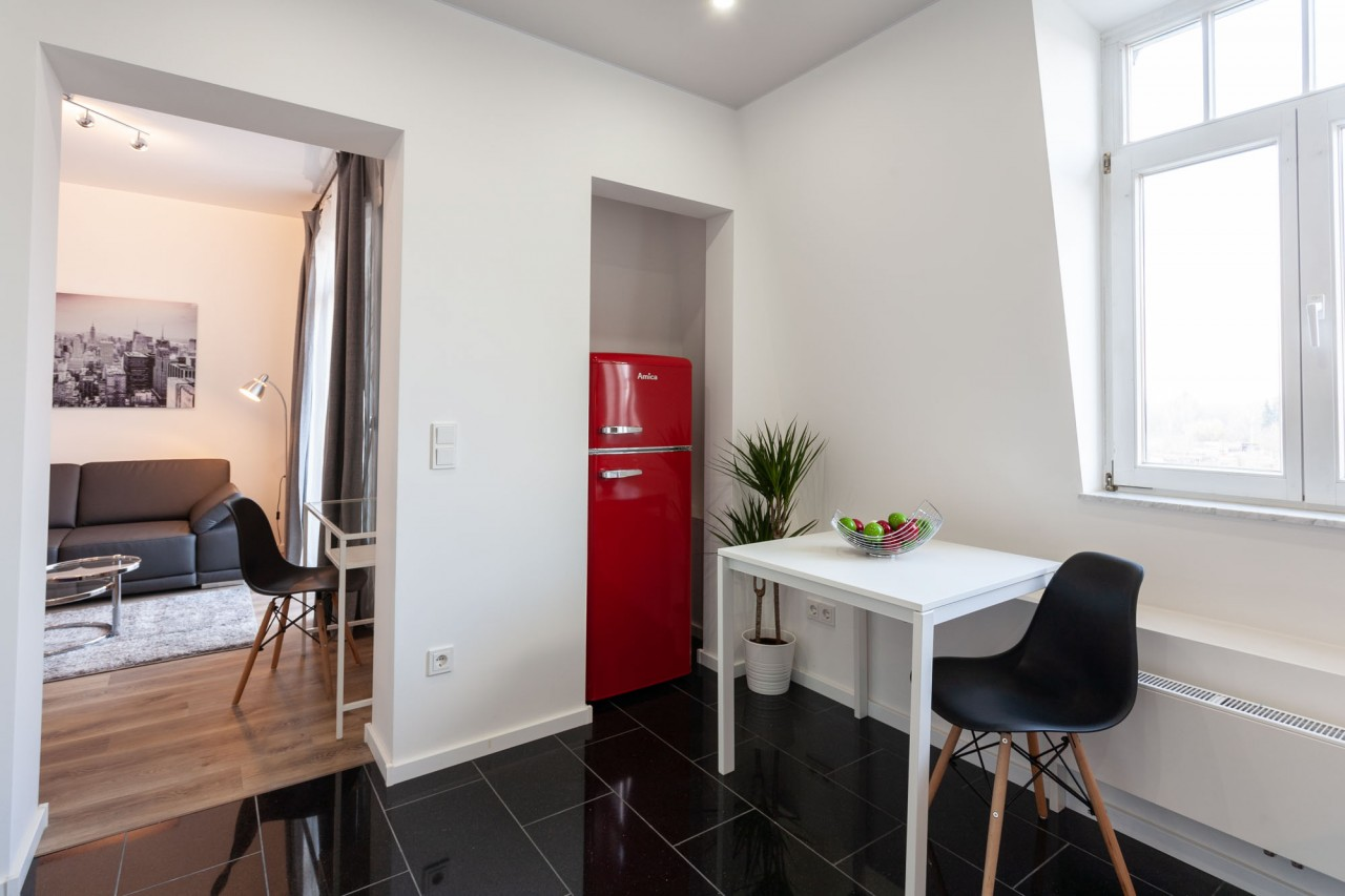 frankfurt r delheim 1 zimmer wohnung 4798 wohnraumagentur. Black Bedroom Furniture Sets. Home Design Ideas